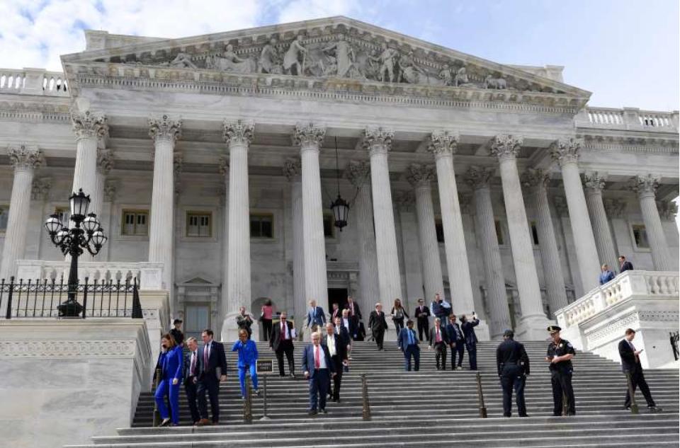 事实调查:众议院是否在冠状病毒救助计划